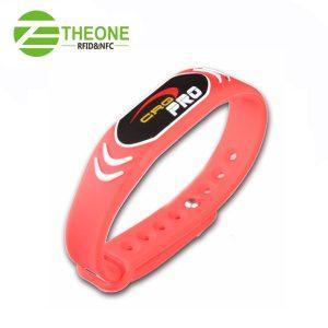 dfwfwf 300x300 - RFID Silicone Wristband